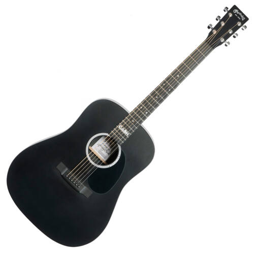 Martin akusztikus gitár elektronikával, fekete