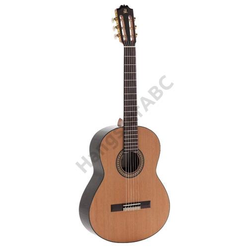 Admira A-4, klasszikus gitár